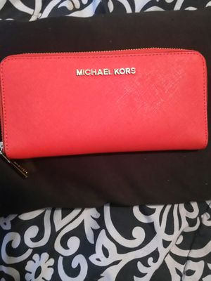 Michael Kors wallet for Sale in NATURL BR STA, VA