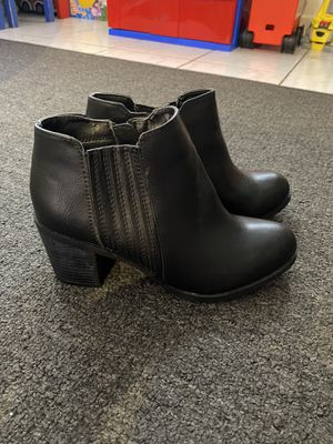 New women Arizona boots size 7 for Sale in Hialeah, FL