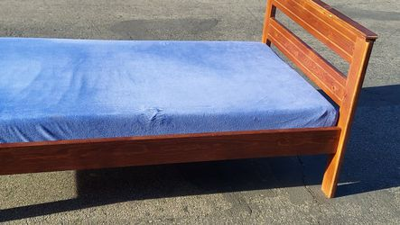 Twin Bed And Mattress for Sale in Placentia,  CA