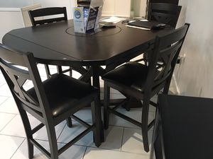 BEAUTIFUL MINDY DINING TABLE WITH 4 CHAIRS. SUPER SUMMER SALE EVENT BLOWOUT!!! SAME DAY DELIVERY! NO CREDIT CHECK FINANCING WITH ONLY $40 DOWN! for Sale in St. Petersburg, FL