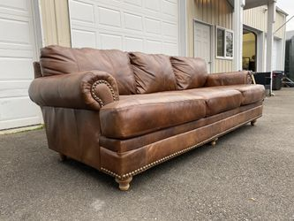 Large Leather Couch (Delivery Available) for Sale in Edmonds,  WA
