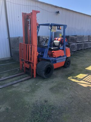 Toyota field forklift for Sale in Reedley, CA