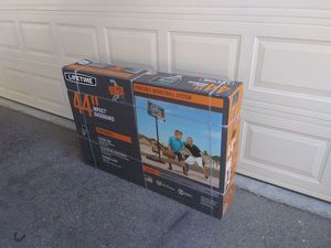 Lifetime portable basketball hoop for Sale in Los Angeles, CA