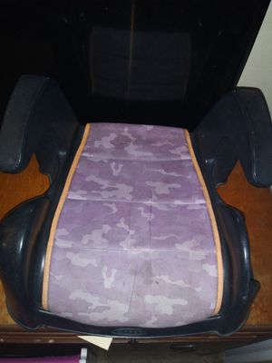 Booster seat for Sale in Wahneta, FL