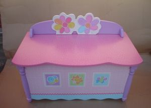 PJ Kids Floral Toy Chest/Bench for Sale in Oxon Hill-Glassmanor, MD