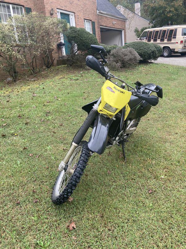 Suzuki DRZ400 dual sport dirtbike motorcycle