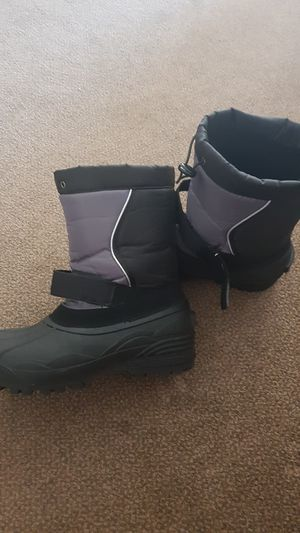 Men snow boots $20.00 for Sale in Williamsburg, MI