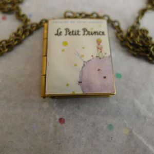 Book Locket Necklace of The Little Prince by French aristocrat, writer, and aviator Antoine de Saint-Exupéry. for Sale in San Jose, CA