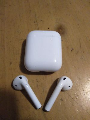 Apple airpods2 perfect new condition selling $120 or best offer I'm be in downtown today for Sale in Miami, FL