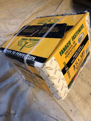 1 New Sealed Box of FANACO FASTENERS Titanium Series Smooth Shank Vinyl Coated Gun Nails 3 1/4 x .131 FAN314131 QTY : 4000 for Sale in Carmichael, CA