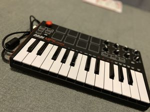 AKAI MPK mini for Sale in El Dorado Hills, CA