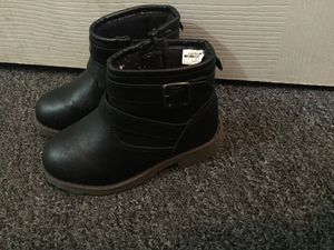 Toddler girl ankle boots 7c for Sale in Philadelphia, PA