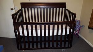 3 N 1 baby/child crib with bed sheets for Sale in Austin, TX