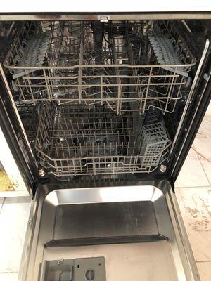 Samsung dishwasher white for Sale in Hallandale Beach, FL