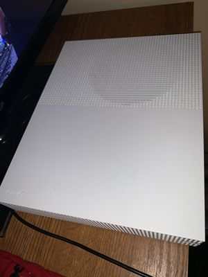 Xbox One S 500GB for Sale in Fort Washington, MD