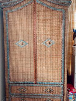 Vintage Wardrobe for Sale in Mulberry,  FL