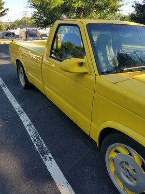 1991 Chevrolet s10 long bed pickup for Sale in MONTGOMRY VLG, MD