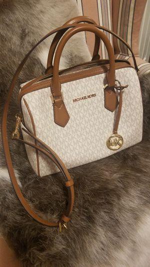 Michael Kors Satchel Signature Handbag for Sale in Peoria, IL