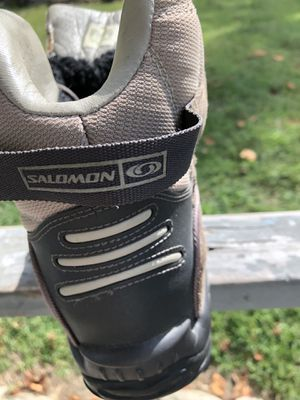 Women's winter hiking boots. SALOMON for Sale in Corning, OH