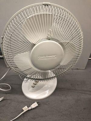 12 inch oscillating white fan for Sale in Miami, FL