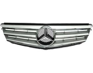 C300 2012 grill for Sale in Melrose, MA