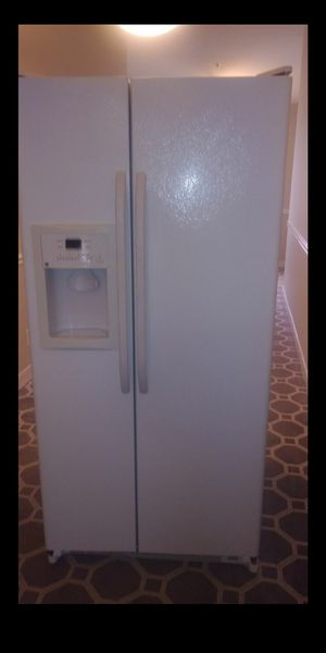 Ge refrigerator for Sale in Silver Spring, MD