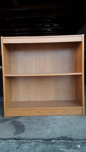 One shelf small bookcase solid oak wood like new condition for Sale in Bath, PA