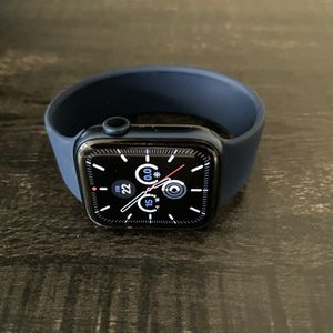 Apple Watch - Series 6 , 45mm Like New for Sale in Morrisville, NC