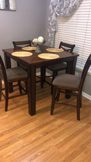 Kitchen table with 4 chairs for Sale in Columbia, TN