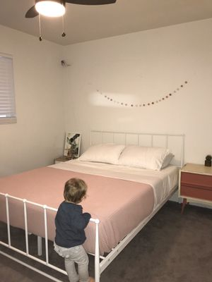 White Metal bed frame-Queen for Sale in Gilbert, AZ