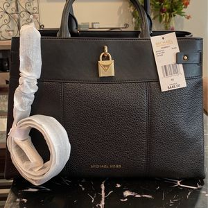 Brand New Black Michael Kors Purse W/ Shoulder Strap Tags Attached & MK gift Bag W/ Tissue for Sale in Ontario, CA