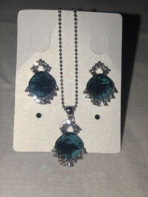 Swarovski sparkling aqua Set for Sale in Ontario, CA