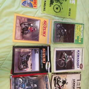8 MOTORCYCLE manuals for Sale in Everett, WA
