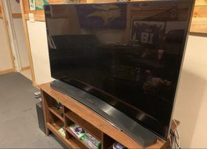 55 inch Samsung, UHD, 4K, Smartv w/ Samsung soundbar! Need to sell. Taking any offers! for Sale in Rochester, MN