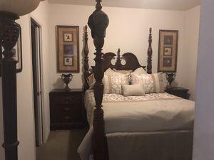 Bedroom Set Queen for Sale in Riverside, CA
