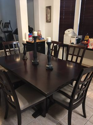 9 piece Dining Room Table with extensions for Sale in Madera, CA