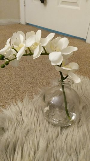 Beautiful fake flower with vase for Sale in Los Angeles, CA