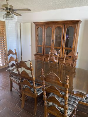 Table with 6 chairs and hutch for Sale in Stuart, FL