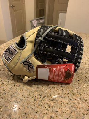 """Rawlings 11.75"""" infield glove HOH for Sale in Hollywood, FL"""