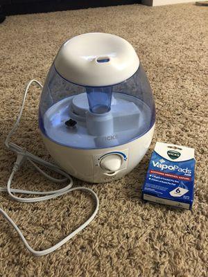 Vick's Mini FilterFree cool Humidifier(0.5 gallon) for Sale in Alpharetta, GA