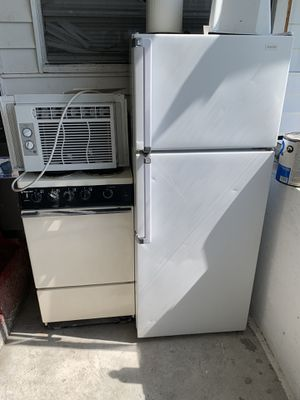 Small unit stove works great for Sale in Tampa, FL