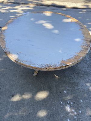 Sturdy round coffee table for Sale in San Diego, CA