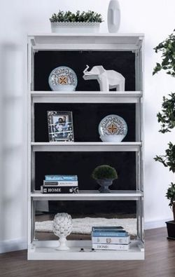 White Bookcase With 4 Shelves And Glass Sides for Sale in Ontario,  CA