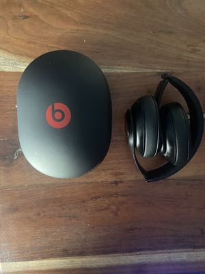 Beats by Dre Studio 3 Black (barely used, very good condition) for Sale in Dallas, TX