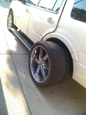 "24"" CHROME RIMS for Sale in Soledad, CA"