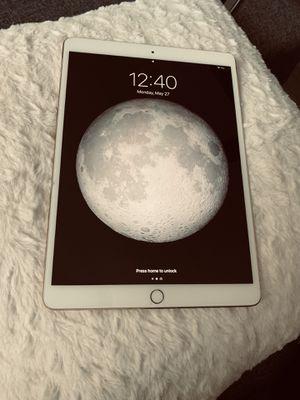 iPad Pro 10.5 WiFi + Cellular -Rose Gold with Att for Sale in Miramar, FL
