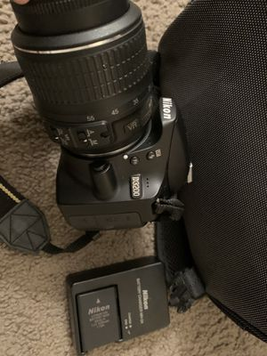 Nikon 3200 for Sale in Minneapolis, MN