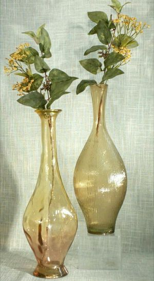 """2pc. Set Handcrafted in Spain Glass Vases with Artificial Flowers 25""""x5"""" - *PICKUP ONLY*- home decor for Sale in Mesa, AZ"""
