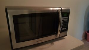 Emerson microwave 900watts for Sale in Garden Grove, CA