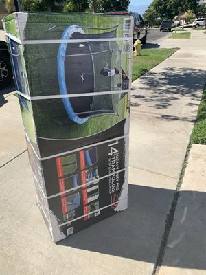 14 foot trampoline for Sale in Corona, CA